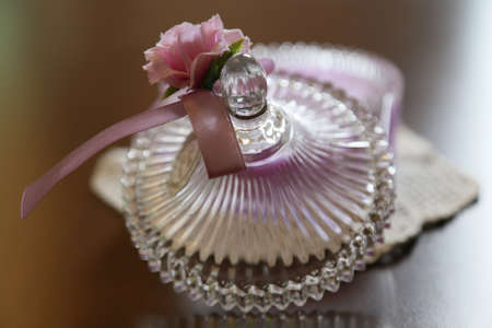 lid: Lid with a Ribbon of glass containers