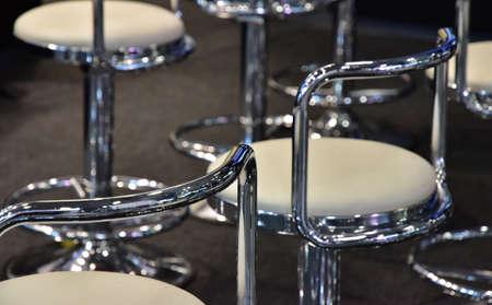 金属製丸椅子
