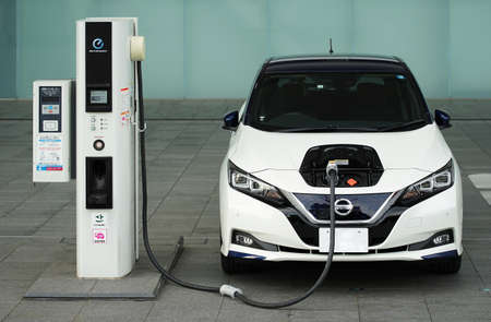 Electric charge parking of the Japanese electric car 報道画像