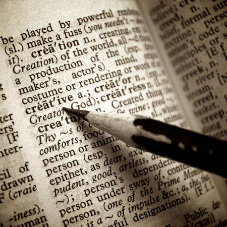 Définition créative remarquer le crayon