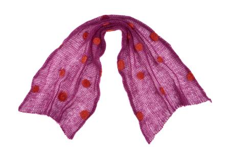 tejido de lana: Bufanda hecha de púrpura punto tejido de mohair de punto sobre fondo blanco, aislado