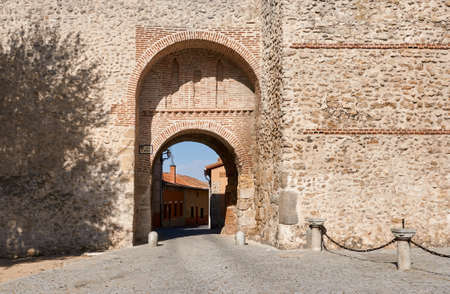 The ancient wall of Olmedo (Valladolid). San Miguel gate Stock Photo