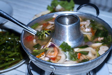 tom': Tom Yum seafood soup or spicy tom yum seafood soup