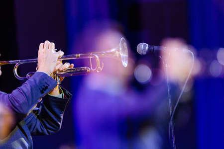 the trumpet player on the jazz concert Standard-Bild