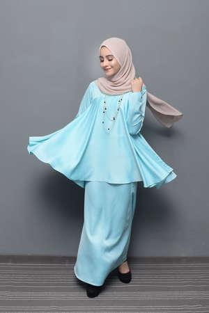 Hijab Fashion.Asian modèle féminin portant le hijab.
