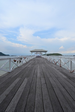 Beautiful wooden pier at Ko Si Chang (Si Chang  Island),Sriracha,Chonburi Province,Thailand,Asia Stock Photo - 15353956