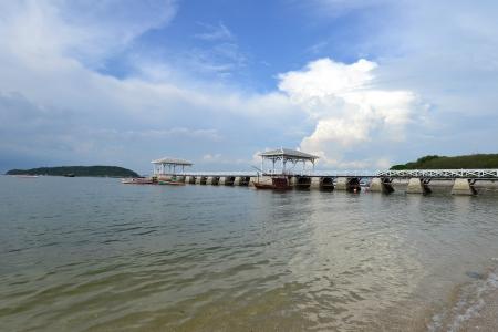 Beautiful wooden pier at Ko Si Chang (Si Chang  Island),Sriracha,Chonburi Province,Thailand,Asia Stock Photo - 15665798