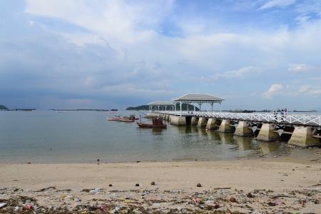 Beautiful wooden pier at Ko Si Chang (Si Chang  Island),Sriracha,Chonburi Province,Thailand,Asia Stock Photo - 15666305