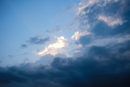 Dramatic sky covering cloud Imagens - 123868462