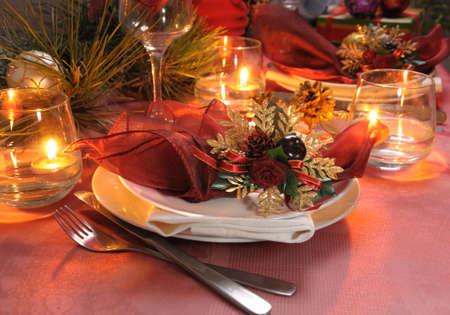 decoracion mesas: Fragmento de mesa para Navidad y A�o Nuevo Foto de archivo