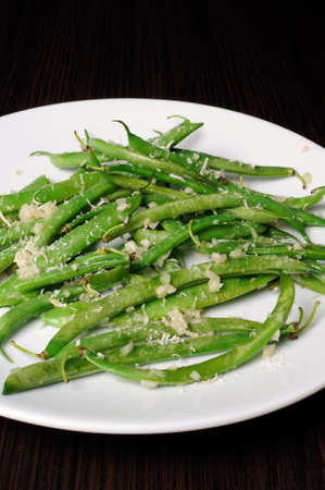 elevenses: Salad of green beans with garlic and parmesan