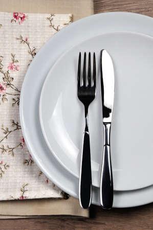 Comedor etiqueta - Todavía comer, terminado. Señales de horquilla y cuchillo con la ubicación del conjunto de cubiertos.