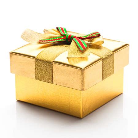 흰색 배경으로 아름 다운 선물 상자 스톡 콘텐츠