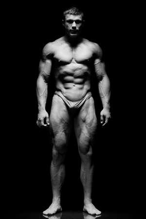 nudo maschile: Il ragazzo bello e giovane e forte