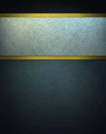 donker blauwe achtergrond met witte perkament en gouden lint Stockfoto
