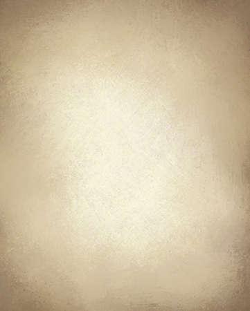 textuur: beige of lichtbruin papier achtergrond met vintage grunge textuur en hoogtepunt en oud perkament look met kopie ruimte Stockfoto