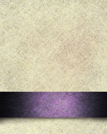 millésime illustration de fond de papier parchemin avec la texture de lin et de pourpre de fantaisie conception formelle bande de ruban avec le grunge noir et fort doux, avec copie espace pour le texte ou l'annonce de Pâques