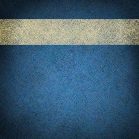 Leuchtend blauen Hintergrund mit weißen Pergament Weinlese-Schmutz-Band mit Kopie Platz und in der Mitte Highlight für Ankündigung oder Einladungstext Standard-Bild - 12252759
