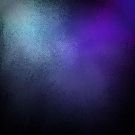 青と紫色の背景に黒のビンテージ グランジ テクスチャ、光のハイライト