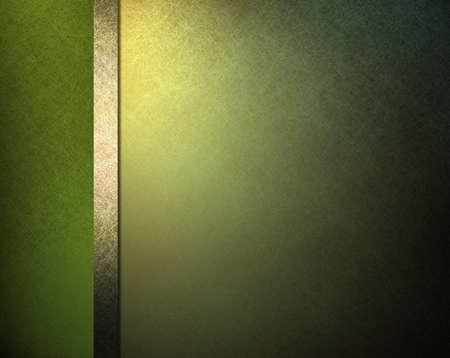 Pallida luce e sfondo verde scuro con illuminazione in oro giallo e gambo nastro nel layout sito web template o formale sfondo menu classico con copyspace per il giorno di San Patrizio Archivio Fotografico - 12624010