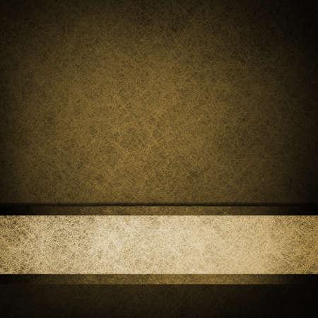 colores calidos: fondo marr�n sepia con cinta blanca en contraste pergamino banda esquema de trazado de la textura del grunge de la vendimia con el marco negro en la vi�eta de la frontera con el espacio de la copia