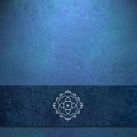 zafiro: elegante fondo de color azul zafiro azul oscuro con diseño de diseño de la cinta de color con la textura del grunge de edad antigua y el sello