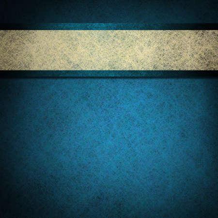 青色の背景に青い紙をエレガントなストライプに白い羊皮紙リボンが赤ちゃんの男の子の生れの発表または古い紙や本の表紙にメニューの黒い境界