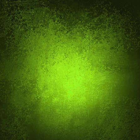 Abstrakt grün hintergrund vignette Rahmen Rand mit Vintage grunge Hintergrund Textur mit vergilbten Rändern und in der Mitte spotlight für elegante Weihnachten Hintergrund oder Web-Vorlage Hintergrund Standard-Bild - 15308246