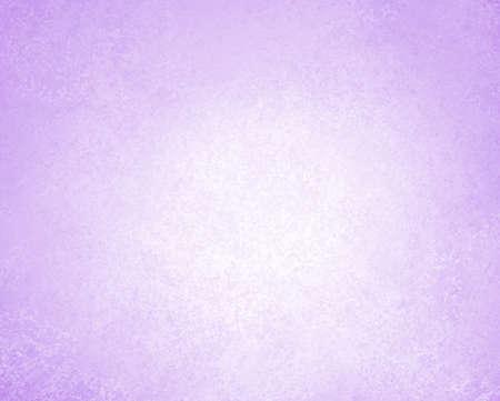 fiori di lavanda: luce di sfondo viola o sfondo bianco, con texture vintage grunge background Archivio Fotografico