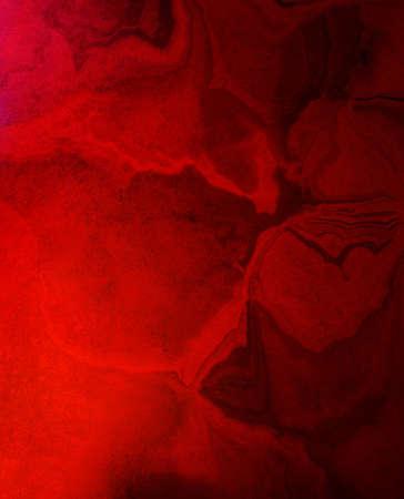 Abstracte rode achtergrond oude ontwerp met vintage grunge achtergrond textuur lay-out van rommelige vlekken en spatten in zwart en goud verf, oude aquarel noodlijdende achtergrond voor brochure poster of web Stockfoto - 16948316