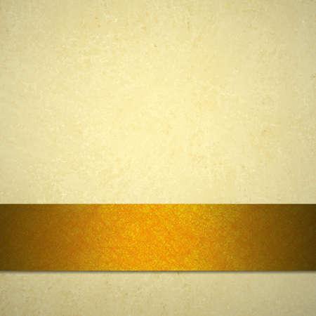 �gold: fondo blanco o de color marr�n claro o papel de textura de fondo de la vendimia y del oro o de la cinta de cobre naranja para el anuncio de oto�o de fondo la acci�n de gracias o la ca�da de Halloween plantilla web