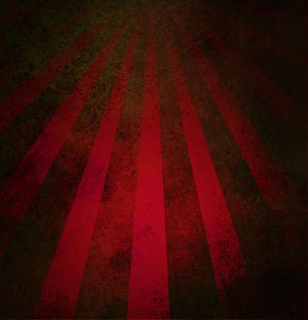 abstracte rode achtergrond retro gestreepte lay-out met oude verontruste vintage grunge achtergrond textuur patroon voor web design side bar banner of plakboek pagina voor verjaardag of festiviteiten Stockfoto