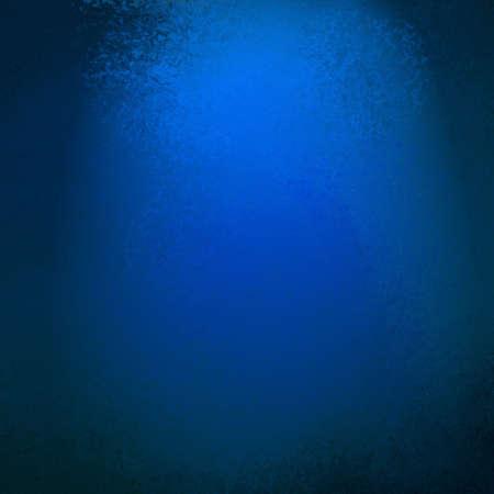 抽象的な青い背景ビネットの黒い境界線、ビンテージ グランジ背景テクスチャ レイアウト設計、サファイア色の背景、ミッドナイト ブルーの web テ
