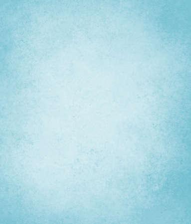 lichtblauwe achtergrond met zachte pastel vintage achtergrond grunge textuur en lichte solide ontwerp witte achtergrond, cool duidelijke muur of papier, oud blauw beschilderd doek voor het plakboek perkament label Stockfoto