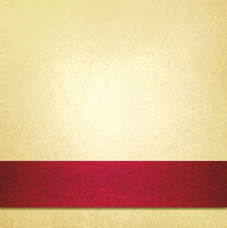 Abstrait pâle fond d'or et ruban rouge bande, beau fond de Noël, anniversaire, Saint Valentin, ou élégant papier de fond jaune pâle fantaisie, texture de fond millésime, luxueux Banque d'images - 32340006