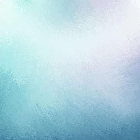 fondo vintage azul: cielo elegante fondo azul con p�lido punto central blanco y azul m�s oscuro del grunge textura de dise�o de la frontera con iluminaci�n suave Foto de archivo