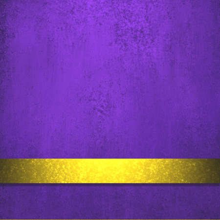 deep royal purple background, elegant gold ribbon stripe design layout for text or copyspace with vintage grunge background texture and rich shine lighting on ribbon Standard-Bild