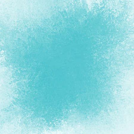 paint background: descolorido cielo azul de fondo, la textura de la vendimia y se desvaneci� de color blanco, esponja textura apenada en trazos de pincel suave mezcla con centro oscuro y la luz grunge frontera blanca Foto de archivo