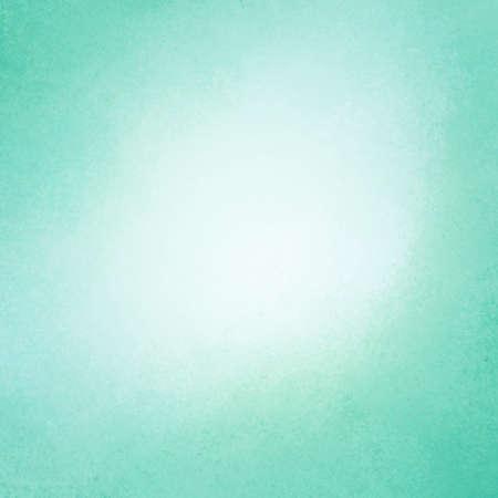 heldere blauwe groene achtergrond, vintage kleur en spons verontruste textuur in blended zachte penseelstreken met lichte witte centrum en donkerder blauwgroen grens Stockfoto