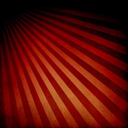 fondo de circo: fondo naranja roja diseño de rayas retro con la frontera dramático negro, patrón abstracto textura de fondo del resplandor solar, diseño de fondo la salida del sol del vintage, diseño retro nostálgico Foto de archivo