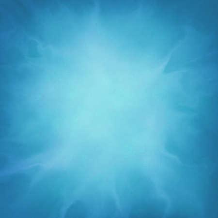 abstracte blauwe achtergrond met onregelmatige helder wit design element Stockfoto