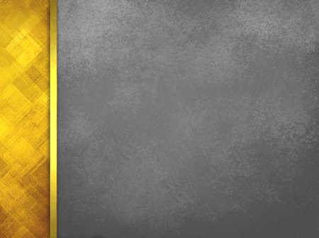 ruban noir: Luxe fond noir avec motif abstrait de la barre latérale de l'or et garniture de ruban d'or, fond gris avec texture vintage, élégante disposition formelle ou d'un modèle