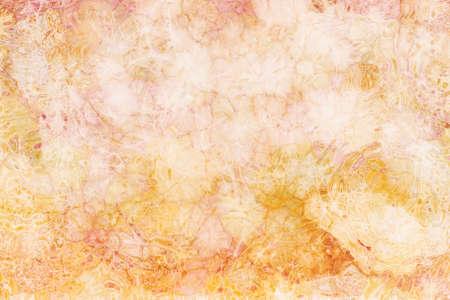 Marmo astratto modello di sfondo in morbido colore pastello oro bianco e rosa con vetro increspature o rughe in grafica grafica per siti web o progetti