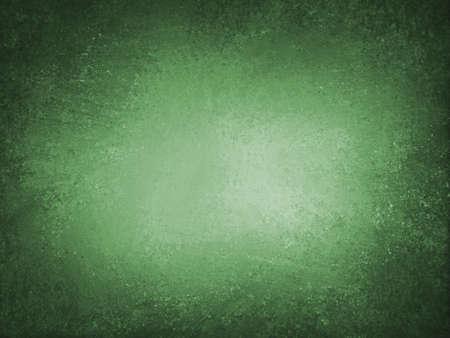 Dunkler smaragdgrüner Hintergrund mit schwarzem Grunge texturierter Grenze und Vintage Vignette Standard-Bild