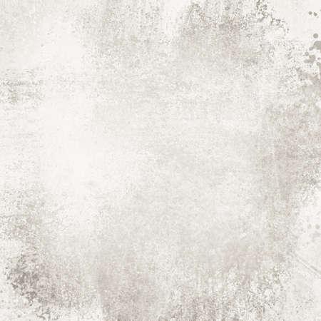 Vieux fond en papier blanc avec texture vintage en détresse, peinture gris éponge fanée sur le concept de paroi de ciment résistant