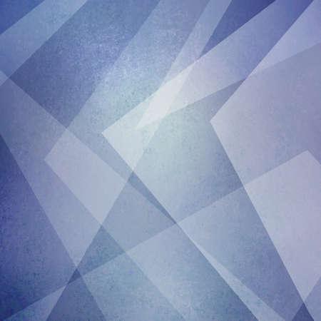 Fondo abstracto azul y blanco. Triángulos y formas en ángulo en un diseño moderno. Elementos de diseño de líneas transparentes en capas en un diseño de textura descolorida. Fondo geométrico fresco.