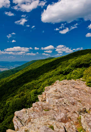 appalachian trail: View of the Appalachian Mountains and Shenandoah Valley from Crescent Rock, on Skyline Drive in Shenandoah National Park, Virginia