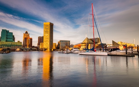 Avondlicht op de Inner Harbor, Baltimore, Maryland