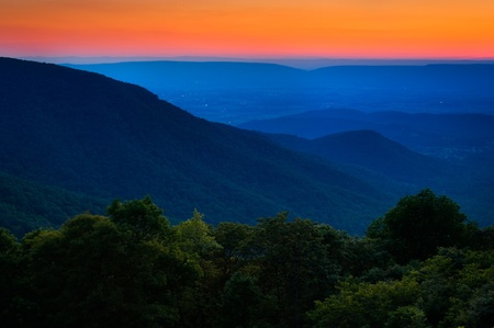 ridge: Sunset over the Appalachian Mountains and Shenandoah Valley from Crescent Rock Overlook, on Skyline Drive in Shenandoah National Park, Virginia  Stock Photo