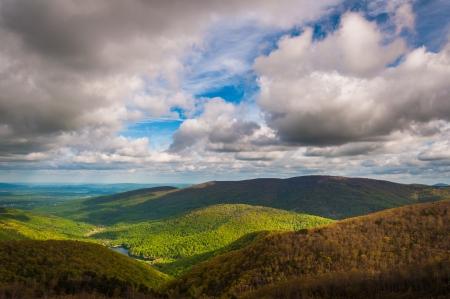 Charlottesville Reservoir, aus Moormans River gesehen am Skyline Drive in Shenandoah National Park, Virginia übersehen.